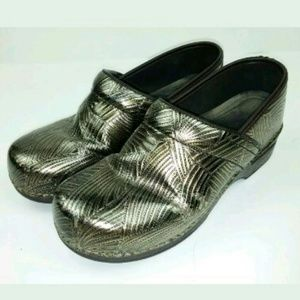 Dankso Clogs Bronze Metallic Textured Nursing